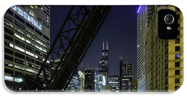 Kinzie Street Railroad Bridge At Night IPhone 5s Case by Sebastian Musial