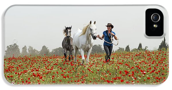 Three At The Poppies' Field... 3 IPhone 5s Case by Dubi Roman