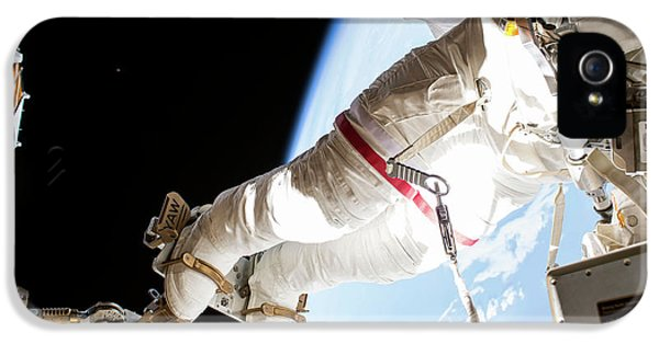 Emu iPhone 5s Case - Tim Kopra's Spacewalk by Nasa