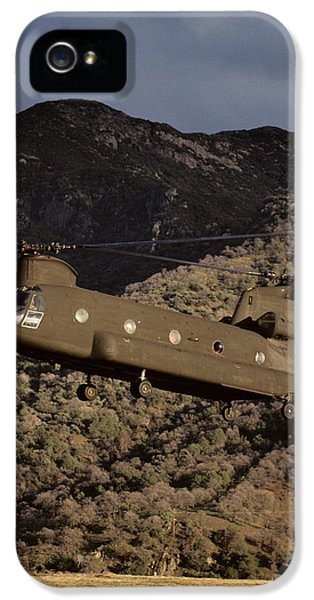 Helicopter iPhone 5s Case - Usa, California, Chinook Search by Gerry Reynolds