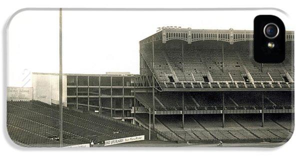 1923 Yankee Stadium IPhone 5s Case by Underwood Archives