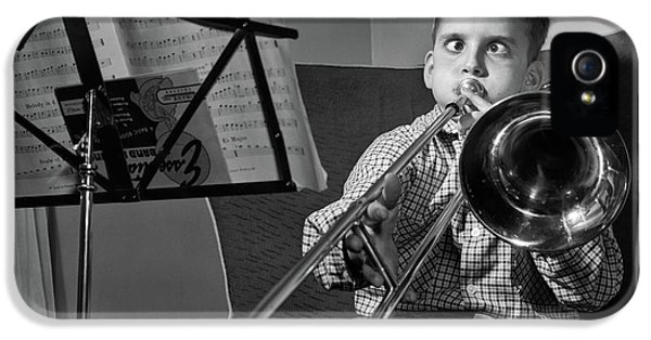 Trombone iPhone 5s Case - 1950s Funny Cross-eyed Boy Playing by Vintage Images