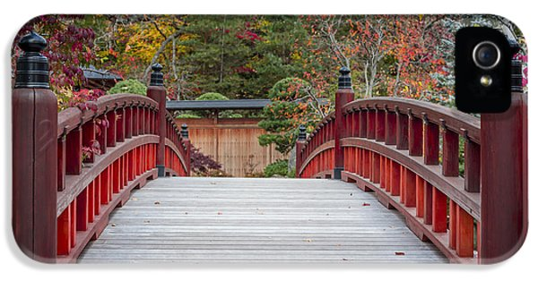 IPhone 5s Case featuring the photograph Japanese Bridge by Sebastian Musial