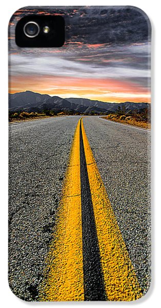 iPhone 5s Case - On Our Way  by Ryan Weddle