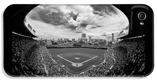 Professional Baseball Teams iPhone 5s Case - Wrigley Field  by Greg Wyatt