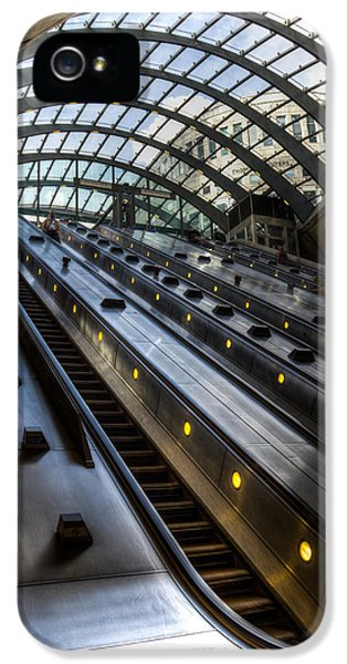 Canary Wharf Station IPhone 5s Case by David Pyatt