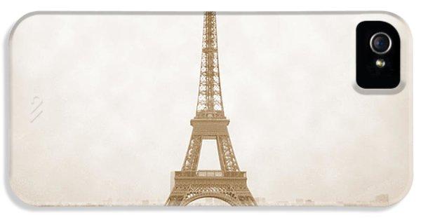 A Walk Through Paris 5 IPhone 5s Case