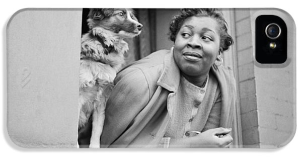 Harlem iPhone 5s Case - A Woman And Her Dog by Gordon Parks