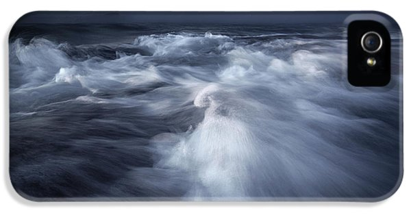 Flow iPhone 5s Case - Ancient Waves by Luca Rebustini
