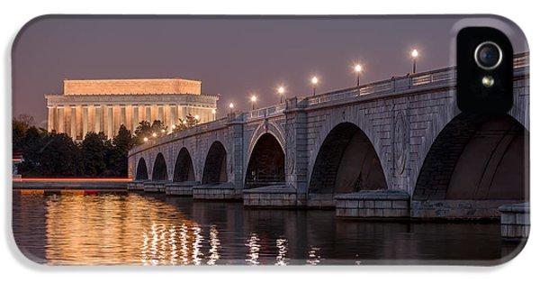 Lincoln Memorial iPhone 5s Case - Arlington Memorial Bridge by Eduard Moldoveanu