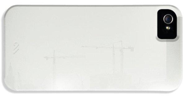 Crane iPhone 5s Case - Atmosphere by Piet Flour