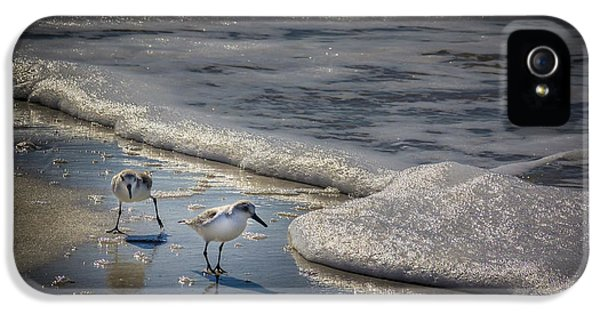 Sandpiper iPhone 5s Case - Attack Of The Sea Foam by Marvin Spates