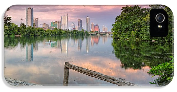 Goose iPhone 5s Case - Austin Skyline From Lou Neff Point by Silvio Ligutti