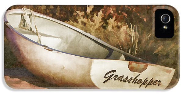 Grasshopper iPhone 5s Case - Beached Rowboat by Carol Leigh
