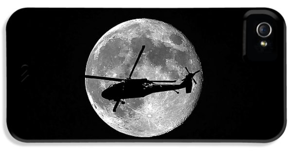 Helicopter iPhone 5s Case - Black Hawk Moon by Al Powell Photography USA