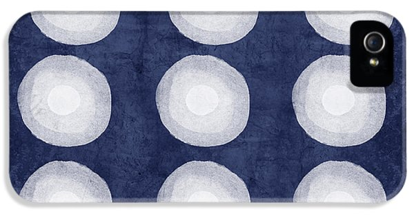 Niagra Falls iPhone 5s Case - Blue And White Shibori Balls by Linda Woods