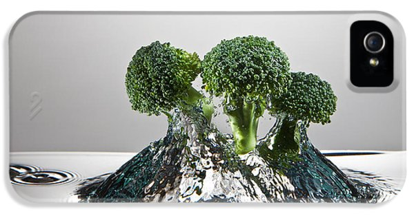 Broccoli iPhone 5s Case - Broccoli Freshsplash by Steve Gadomski
