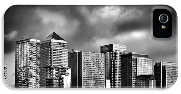 Canary iPhone 5s Case - Canary Wharf London by Mark Rogan