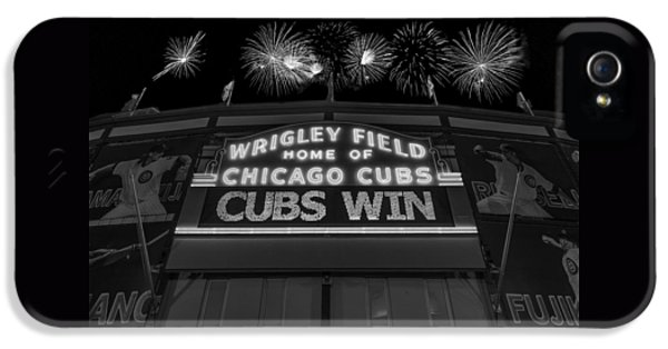 Chicago Cubs iPhone 5s Case - Chicago Cubs Win Fireworks Night B W by Steve Gadomski