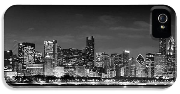 Chicago Skyline At Night Black And White IPhone 5s Case by Jon Holiday