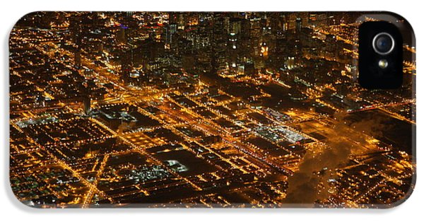 IPhone 5s Case featuring the photograph Downtown Chicago At Night by Nathan Rupert