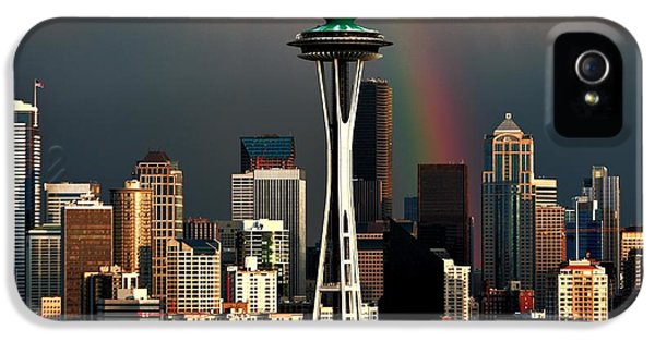 Seattle Skyline iPhone 5s Case - End Of The Rainbow by Benjamin Yeager