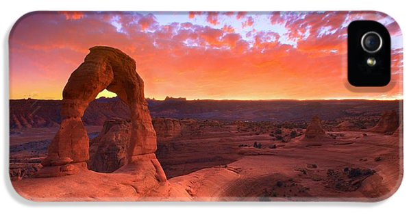 Landscapes iPhone 5s Case - Famous Sunset by Kadek Susanto