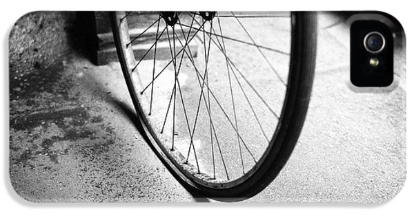IPhone 5s Case featuring the photograph Flat Bicycle Tire by Dave Beckerman