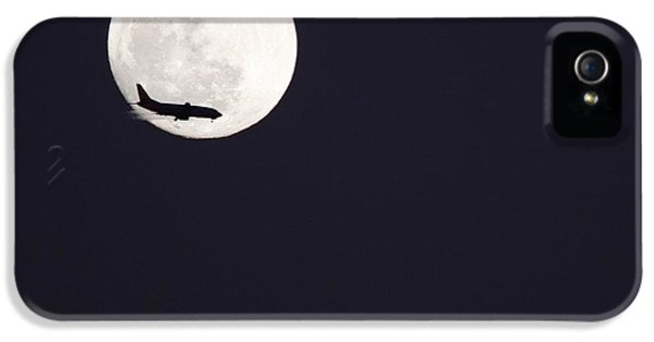 IPhone 5s Case featuring the photograph Fly Me To The Moon by Nathan Rupert