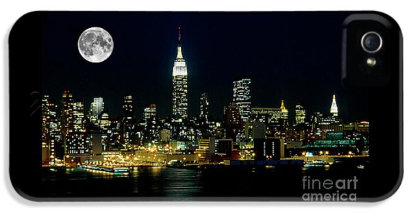 Full Moon Rising - New York City IPhone 5s Case by Anthony Sacco