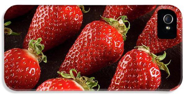 Gariguette Strawberries IPhone 5s Case by Aberration Films Ltd