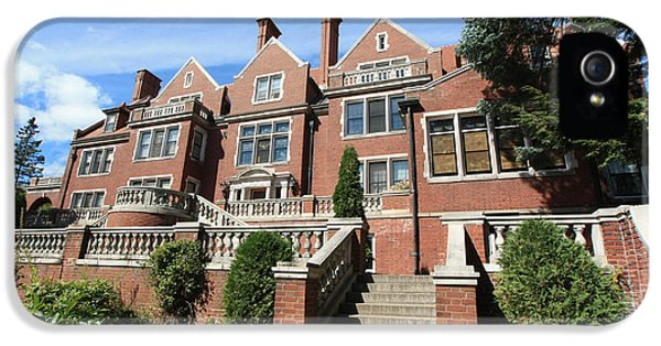 University Of Minnesota iPhone 5s Case - Glensheen Mansion Exterior by Amanda Stadther