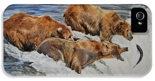 Grizzlies Fishing IPhone 5s Case by Juan  Bosco