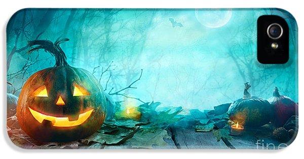 Castle iPhone 5s Case - Halloween Pumpkins On Wood. Halloween by Mythja
