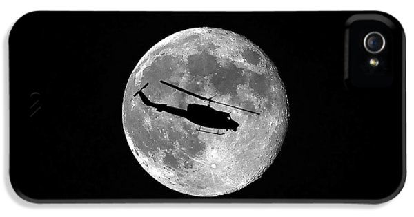 Helicopter iPhone 5s Case - Huey Moon by Al Powell Photography USA