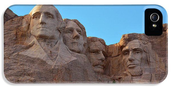 Mount Rushmore iPhone 5s Case - Late Afternoon, Mount Rushmore National by Michel Hersen