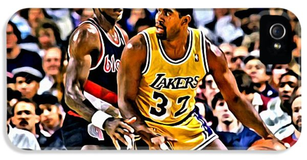 Magic Johnson iPhone 5s Case - Magic Johnson Vs Clyde Drexler by Florian Rodarte