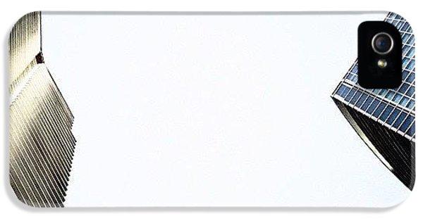 Iger iPhone 5s Case - Marina Blue Bldg. & 1800 Club Bldg. - by Joel Lopez