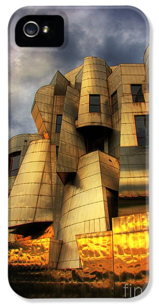 University Of Minnesota iPhone 5s Case - Minneapolis Skyline Photography Weisman Museum by Wayne Moran