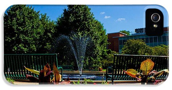Msu Water Fountain IPhone 5s Case by John McGraw