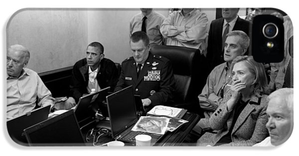 Barack Obama iPhone 5s Case - Obama In White House Situation Room by War Is Hell Store