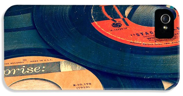 1950s iPhone 5s Case - Old 45 Records Square Format by Edward Fielding