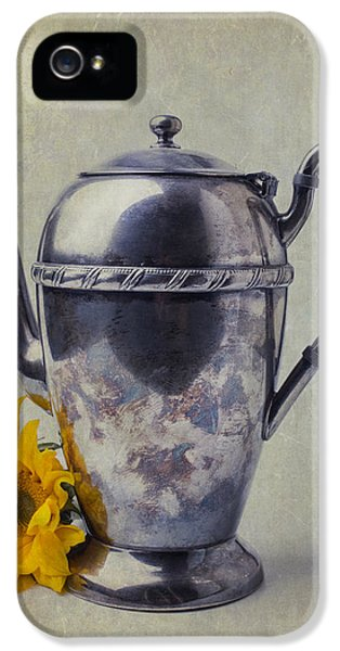 Old Teapot With Sunflower IPhone 5s Case by Garry Gay
