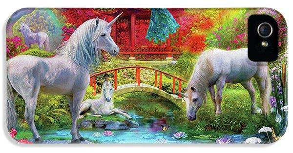 IPhone 5s Case featuring the drawing Orietnal Unicorns by Jan Patrik Krasny