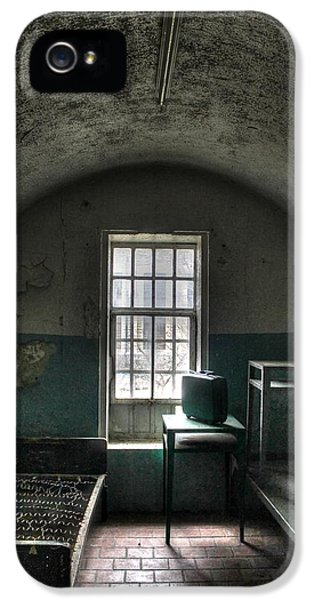 Sonny iPhone 5s Case - Prison Cell by Jane Linders