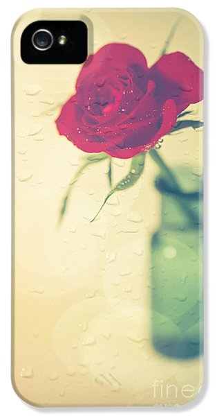 Raindrops On Roses . . . IPhone 5s Case by Jan Bickerton
