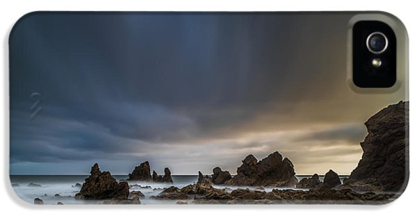 Planets iPhone 5s Case - Rocky Southern California Beach 3 by Larry Marshall