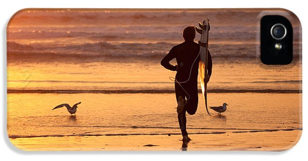 IPhone 5s Case featuring the photograph Running To Surf by Nathan Rupert