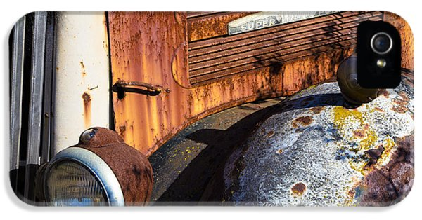 Rusty Truck Detail IPhone 5s Case by Garry Gay
