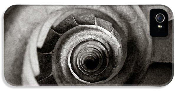 Sagrada Familia Steps IPhone 5s Case by Dave Bowman